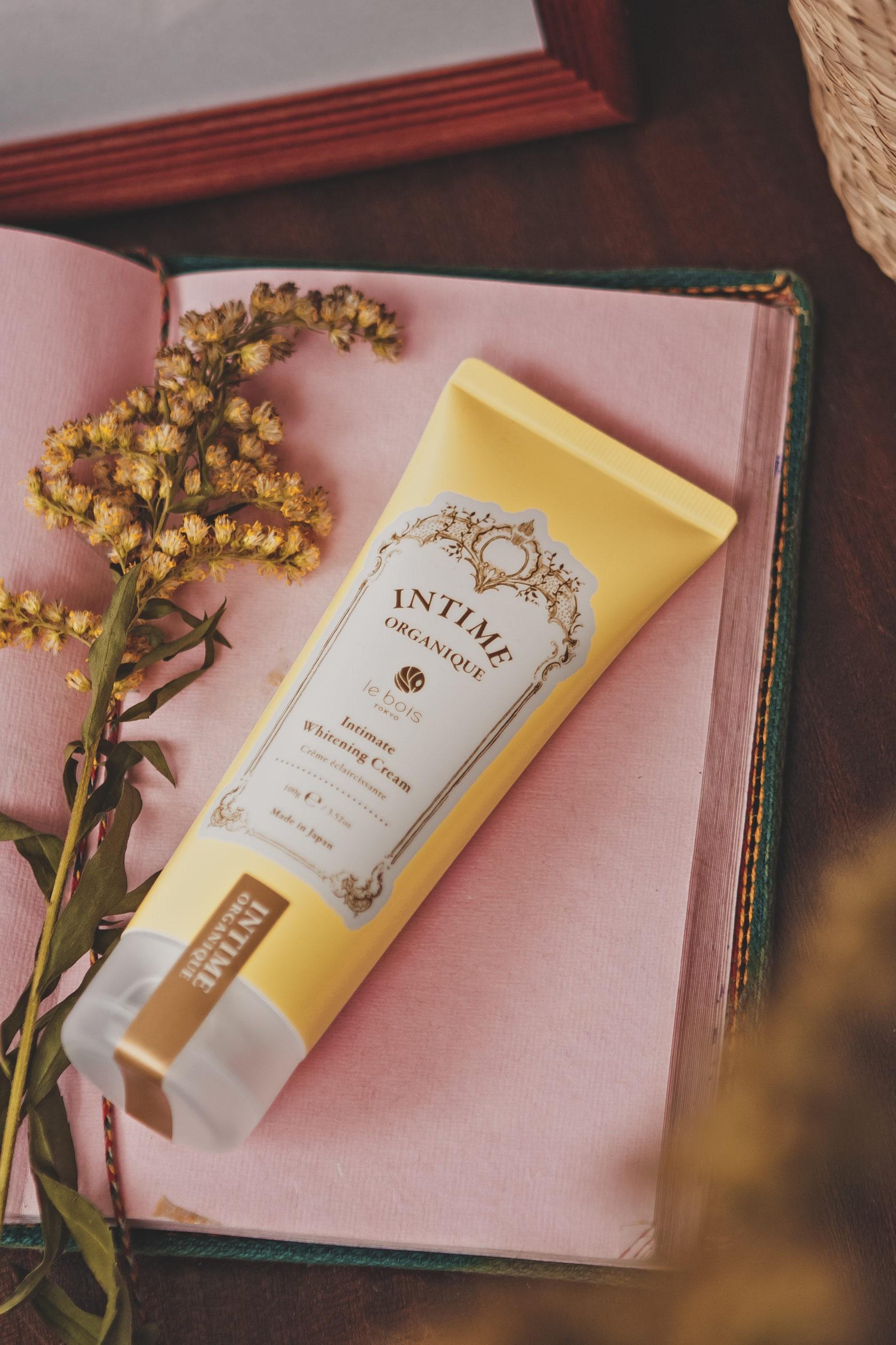 Осветляющий крем для деликатных зон без запаха Whitening Cream FF Intime Organique Япония 100 г(р) — фото №2
